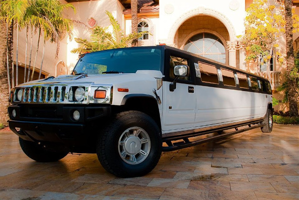 Wichita Hummer Limousines Rental